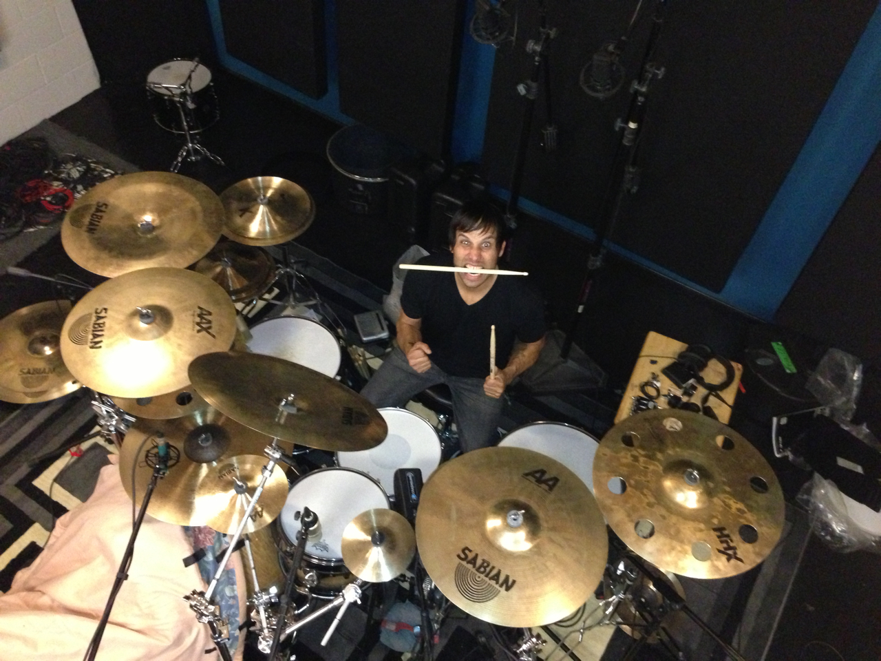 Abel Vallejo Lays Down Some Heavy Grooves!