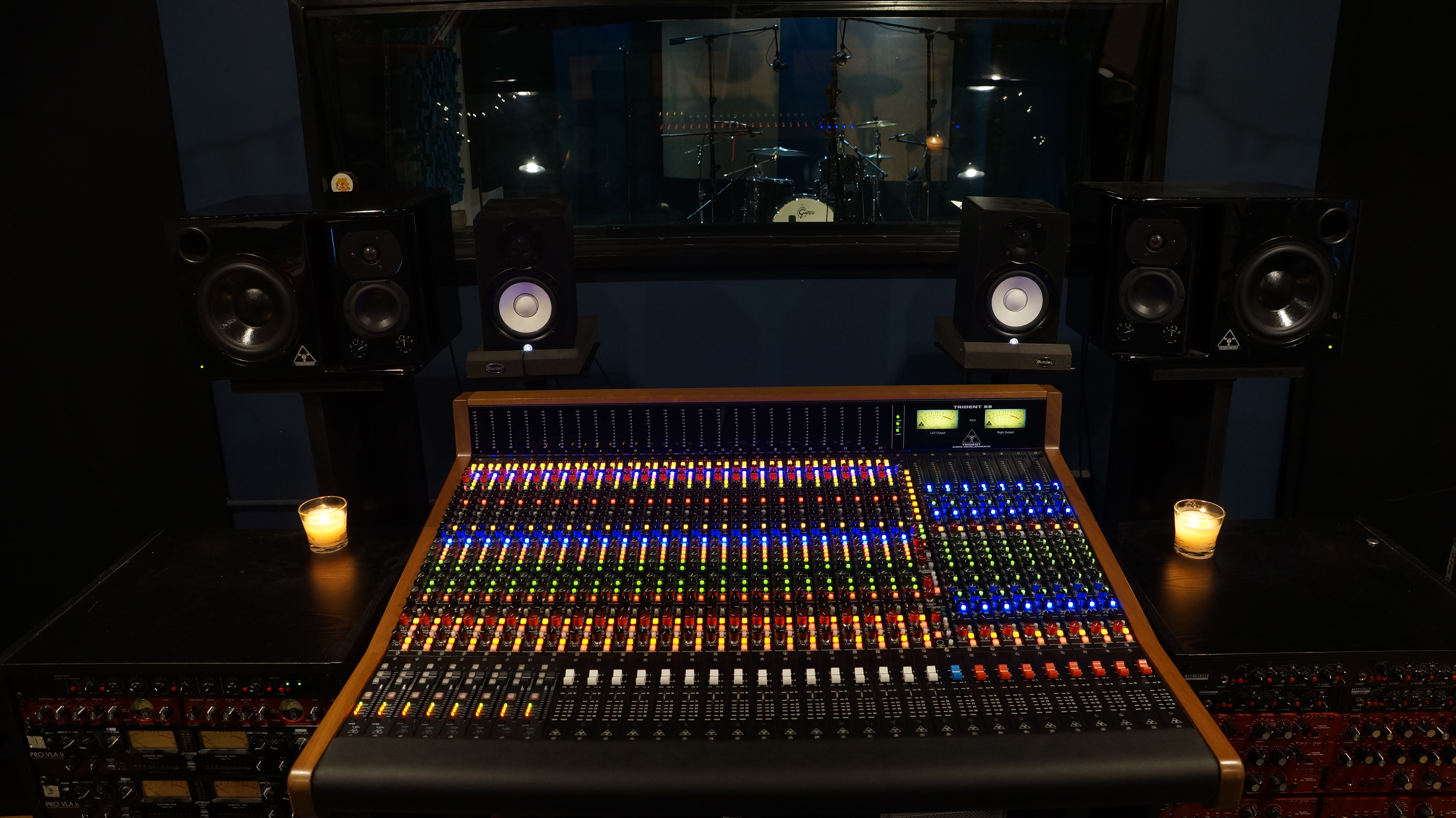 Ultimate Studios, Inc Installs new Trident 88 Console!